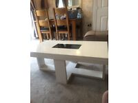 Beautiful solid gloss white table