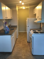 NO DOWNPAYMENT - Takeover Lease - 2 BR  apartmnt, west $950/mo
