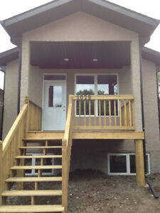 3 Bedroom 2 Bathroom House Upper Suite is now Available to Rent.