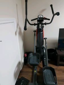 Max trainer work out machine