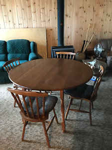 Dining Set Vilas Maple Extension Table