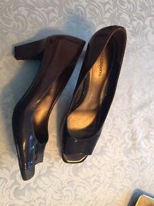 Ladies Liz Claiborne shoes 9.5