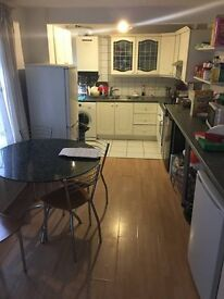 Fully furnished, spacious room in Kingston - ALL BILLS INCLUDED
