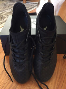 Soccer Shoes - Adidas Mens Size 8