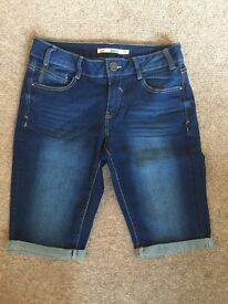 Dorothy Perkins jean shorts size 10