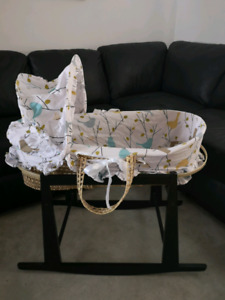 Moses basket with rocking stand - Durham