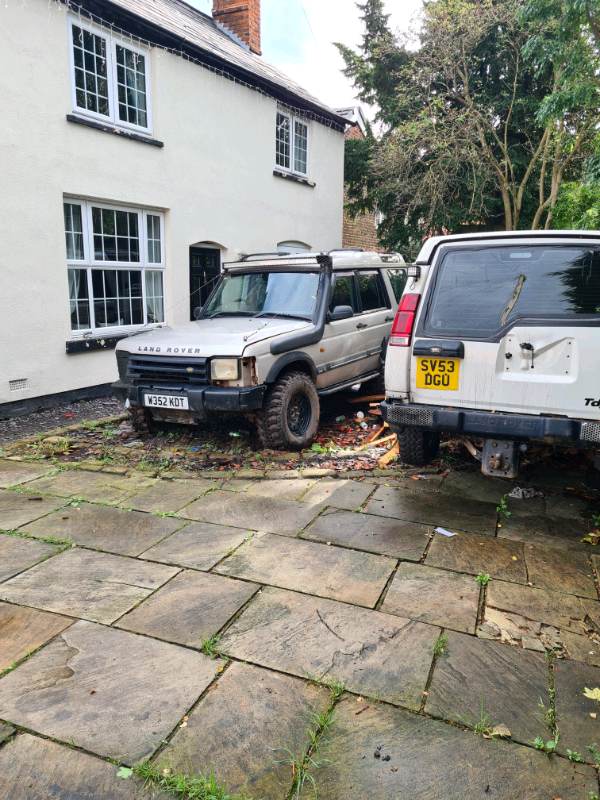 2x landrover discovery td5