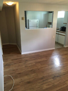 1 Room available in 6 Bedroom / 2 Bath home, recently renovated Belleville Belleville Area image 6