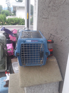 SMALL PET CARRIER !! NEED GONE !!