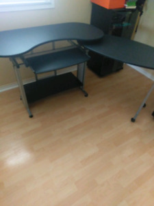 Swiveling Office and Computer Table / Desk with keyboard tray!