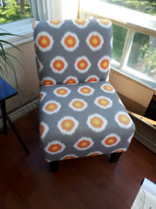 2 fauteuils gris orange