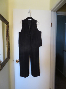 Ricki's Vest and Capri Pant suit (see my other Ricki's ads)