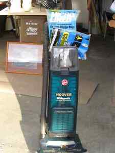 Hoover Upright vacuum  with Edge Groomer