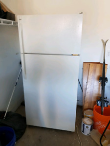 Kenmore Fridge | Clean, White, Works Great! |
