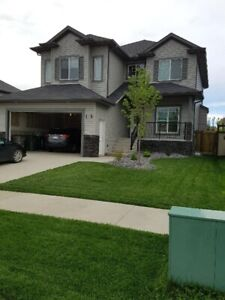 4-year old executive 2 storey with 4 bedrooms for rent -Beaumont