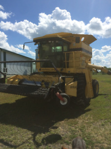 New Holland TR97 Combine