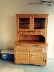 Beautiful Country Style Hutch