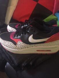 Nike air max. Size 5