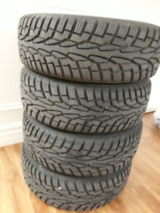 4 UNIROYAL 215/60 R16 winter tires in rims