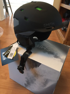 Smith Quantum helmet - brand new/unused