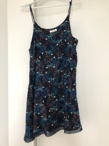 Women's Dress - Size L