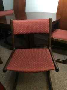 Antique Wood Dining Table plus 4 Chairs Sarnia Sarnia Area image 4