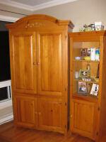 belle armoire en excellent état