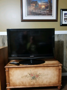 "32"" samsung flat screen tv"