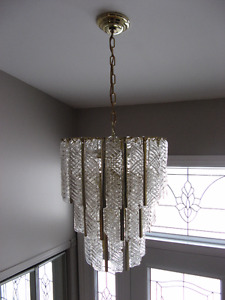 Lustre, chandelier en verre et plafonnier