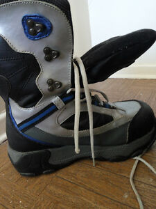 GOUGAR snow boots-7M Kitchener / Waterloo Kitchener Area image 3