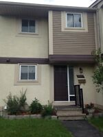 NEW PRICE! 3 BEDROOMS!!! 15 MINUTES FROM DOWNTOWN / OttawaU !!!