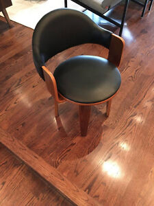 Pair of Designer Swivel Chairs in excellent condition (2)