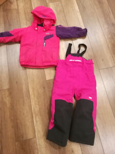 Helly hansen 4 ans comme neuf