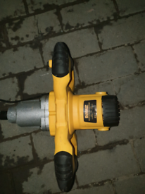 Dewalt 240v mixing drill brand new never used can deliver