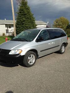 2007 Dodge Caravan Stow n Go Seating Minivan, Van