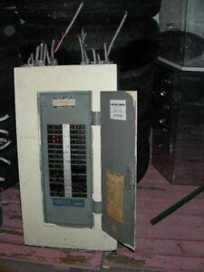 Boîte Électrique sur le 120 & 240