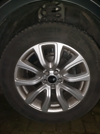Range rover alloys and tyres