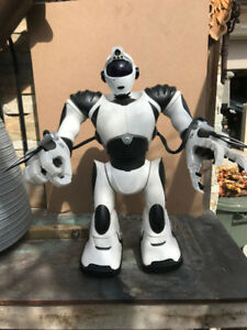 Wow wee Robosapien 22 inches tall full size V2
