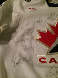 Hockey Jersey Autographed 2007 Women's Hockey Team Kitchener / Waterloo Kitchener Area image 7