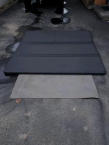 Tonneaux cover(couvert de boîte)Ford ou GM
