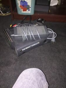 Xbox 360 with 11 games, and three controllers 130$ Windsor Region Ontario image 1