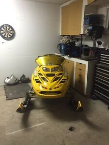 2001 MXZ 700 & Ez Tow Tilt trailer  Kawartha Lakes Peterborough Area image 5