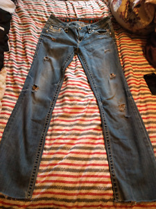 Woman's Rock Rivival  Jeans Size 31