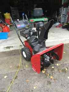 Toro 826 le Snowblower