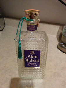 Bouteille de whisky Adams Antique 1966 (vide)