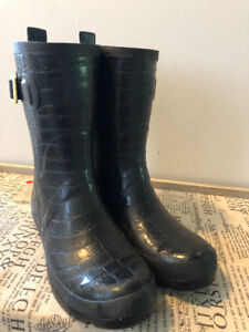 Joules Rain Boots and Boots Socks