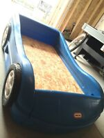 LITTLE TIKES CORVETTE CAR BED made USA
