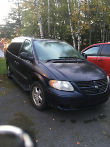 2007 Dodge Grand Caravan Minivan, Van $3500