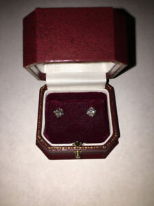 One Pair Stamped 14KT White Gold Cast Solitaire Earrings