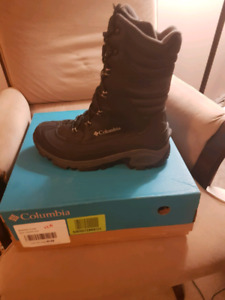 Columbia Size 11.5 Mens Boots